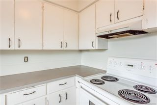 Photo 4: 621 Constance Ave in Esquimalt: Es Esquimalt Quadruplex for sale : MLS®# 842594