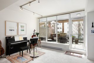 Photo 16: 3 828 Rupert Terr in Victoria: Vi Downtown Row/Townhouse for sale : MLS®# 841741
