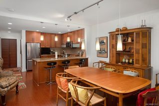 Photo 9: 3 828 Rupert Terr in Victoria: Vi Downtown Row/Townhouse for sale : MLS®# 841741