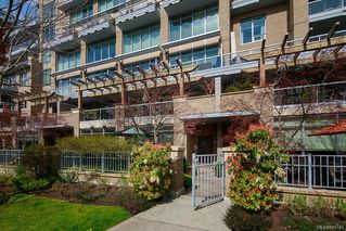Photo 1: 3 828 Rupert Terr in Victoria: Vi Downtown Row/Townhouse for sale : MLS®# 841741