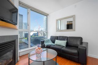 "Photo 4: 1106 1068 HORNBY Street in Vancouver: Downtown VW Condo for sale in ""The Canadian at Wall Centre"" (Vancouver West)  : MLS®# R2485432"