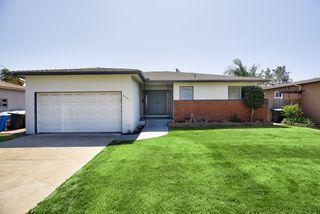 Photo 2: LA MESA House for sale : 3 bedrooms : 6731 Vigo Dr