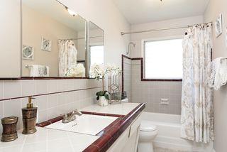 Photo 15: LA MESA House for sale : 3 bedrooms : 6731 Vigo Dr
