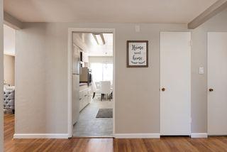 Photo 4: LA MESA House for sale : 3 bedrooms : 6731 Vigo Dr