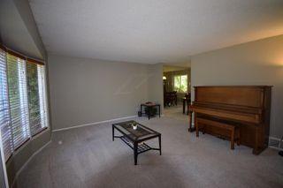 Photo 3: 25 BRADBURN Crescent: St. Albert House for sale : MLS®# E4218479