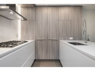 "Photo 6: 810 1441 JOHNSTON Road: White Rock Condo for sale in ""Miramar Village"" (South Surrey White Rock)  : MLS®# R2528014"
