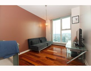 "Photo 7: 3105 1009 EXPO Boulevard in Vancouver: Downtown VW Condo  in ""LANDMARK 33"" (Vancouver West)  : MLS®# V801794"