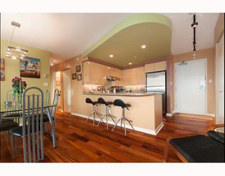 "Photo 4: 3105 1009 EXPO Boulevard in Vancouver: Downtown VW Condo  in ""LANDMARK 33"" (Vancouver West)  : MLS®# V801794"