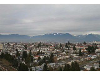 "Photo 10: 2101 3663 CROWLEY Drive in Vancouver: Collingwood VE Condo for sale in ""LATITUDE"" (Vancouver East)  : MLS®# V867621"