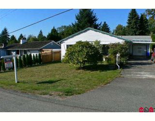 Photo 1: 18089 59TH Avenue in Surrey: Cloverdale BC House for sale (Cloverdale)  : MLS®# F2826972