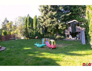 Photo 8: 18089 59TH Avenue in Surrey: Cloverdale BC House for sale (Cloverdale)  : MLS®# F2826972