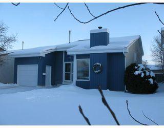 Photo 1: 68 BRIXTON Bay in WINNIPEG: St Vital Residential for sale (South East Winnipeg)  : MLS®# 2900812