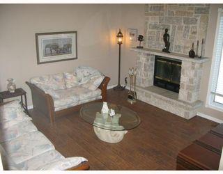 Photo 2: 68 BRIXTON Bay in WINNIPEG: St Vital Residential for sale (South East Winnipeg)  : MLS®# 2900812