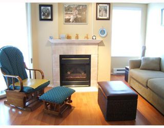 """Photo 2: 306 215 12TH Street in New_Westminster: Uptown NW Condo for sale in """"DISCOVERY REACH"""" (New Westminster)  : MLS®# V761680"""