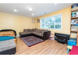 Photo 15: 9159 APPLEHILL Crescent in Surrey: Queen Mary Park Surrey House for sale : MLS®# R2407744