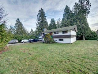 Photo 1: 7761 FAWN Road in Halfmoon Bay: Halfmn Bay Secret Cv Redroofs House for sale (Sunshine Coast)  : MLS®# R2428234
