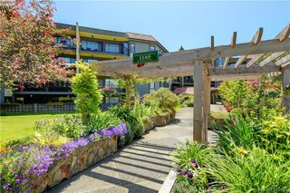 Photo 1: 201 1149 Rockland Ave in VICTORIA: Vi Downtown Condo for sale (Victoria)  : MLS®# 832124