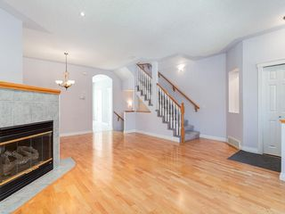 Photo 5: 526 GARRISON Square SW in Calgary: Garrison Woods Row/Townhouse for sale : MLS®# C4292186