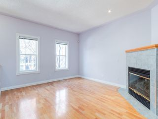 Photo 3: 526 GARRISON Square SW in Calgary: Garrison Woods Row/Townhouse for sale : MLS®# C4292186