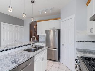 Photo 10: 526 GARRISON Square SW in Calgary: Garrison Woods Row/Townhouse for sale : MLS®# C4292186