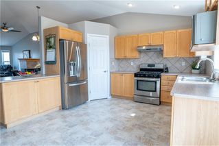 Photo 9: 413 LINEHAM ACRES Drive NW: High River Detached for sale : MLS®# C4296212