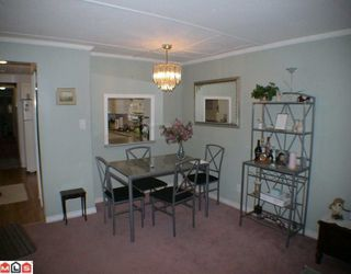 "Photo 4: 24 9080 198TH Street in Langley: Walnut Grove Manufactured Home for sale in ""FOREST GREEN ESTATES"" : MLS®# F1003077"