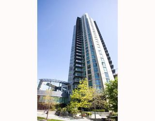 """Photo 1: 1607 501 PACIFIC Street in Vancouver: Downtown VW Condo for sale in """"THE 501"""" (Vancouver West)  : MLS®# V812585"""