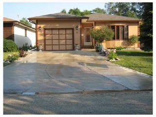 Photo 1: 76 DORGE Drive in WINNIPEG: Fort Garry / Whyte Ridge / St Norbert Residential for sale (South Winnipeg)  : MLS®# 2812121