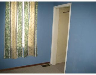 Photo 8: 245 SEMPLE Avenue in WINNIPEG: West Kildonan / Garden City Residential for sale (North West Winnipeg)  : MLS®# 2812978