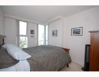 Photo 2: 1808 1008 CAMBIE Street in Vancouver: Downtown VW Condo for sale (Vancouver West)  : MLS®# V728052