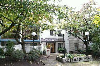 """Photo 6: 1422 E 3RD Ave in Vancouver: Grandview VE Condo for sale in """"LA CONTESSA"""" (Vancouver East)  : MLS®# V618547"""