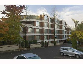 "Photo 1: 102 2140 BRIAR Avenue in Vancouver: Quilchena Condo for sale in ""ARBUTUS VILLAGE"" (Vancouver West)  : MLS®# V742490"