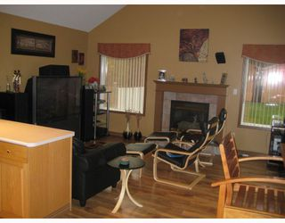 """Photo 7: 3339 ST FRANCES Court in Prince_George: St. Lawrence Heights House for sale in """"ST. LAWRENCE HEIGHTS"""" (PG City South (Zone 74))  : MLS®# N191855"""