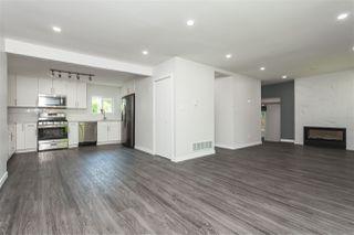 "Photo 15: 11366 - 11370 MAPLE Crescent in Maple Ridge: Southwest Maple Ridge House for sale in ""Port Hammond"" : MLS®# R2389937"