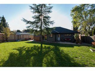 "Photo 11: 11366 - 11370 MAPLE Crescent in Maple Ridge: Southwest Maple Ridge House for sale in ""Port Hammond"" : MLS®# R2389937"