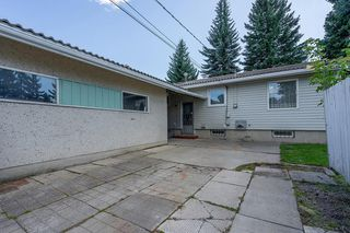 Photo 13: 5340 LA SALLE Crescent SW in Calgary: Lakeview Detached for sale : MLS®# C4266612