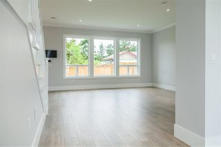Photo 3: 16822 61 Avenue in Surrey: Cloverdale BC House for sale (Cloverdale)  : MLS®# R2403377