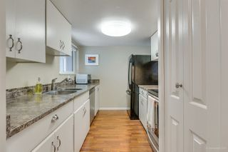 """Photo 3: 945 BLACKSTOCK Road in Port Moody: North Shore Pt Moody Townhouse for sale in """"WOODSIDE VILLAGE"""" : MLS®# R2410386"""