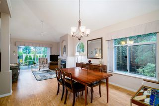 """Photo 2: 32 15273 24 Avenue in Surrey: King George Corridor Townhouse for sale in """"The Peninsula"""" (South Surrey White Rock)  : MLS®# R2425907"""