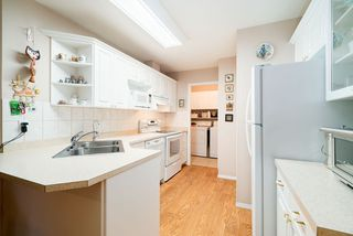 """Photo 5: 32 15273 24 Avenue in Surrey: King George Corridor Townhouse for sale in """"The Peninsula"""" (South Surrey White Rock)  : MLS®# R2425907"""