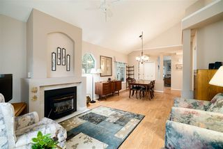 """Photo 3: 32 15273 24 Avenue in Surrey: King George Corridor Townhouse for sale in """"The Peninsula"""" (South Surrey White Rock)  : MLS®# R2425907"""