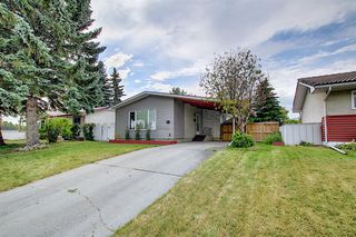 Main Photo: 9839 AUBURN Road SE in Calgary: Acadia Detached for sale : MLS®# A1018149