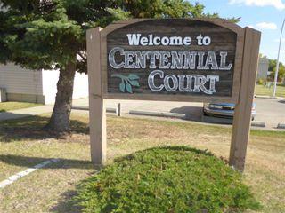 Photo 1: 137 Centennial Court in Edmonton: Zone 21 Townhouse for sale : MLS®# E4215659