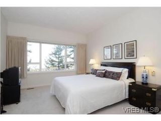 Photo 11: 8 942 Boulderwood Rise in VICTORIA: SE Broadmead Row/Townhouse for sale (Saanich East)  : MLS®# 527520