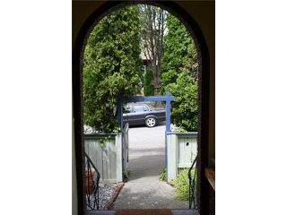 Photo 2: 1024 KEEFER Street in Vancouver: Mount Pleasant VE House Triplex for sale (Vancouver East)  : MLS®# V841724