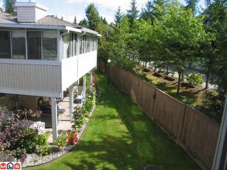 "Photo 8: 204 10584 153RD Street in Surrey: Guildford Townhouse for sale in ""Glenwood Village on the Park"" (North Surrey)  : MLS®# F1019376"
