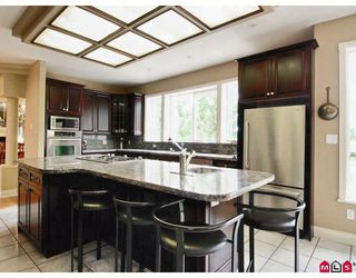"""Photo 2: 2712 170TH Street in Surrey: Grandview Surrey House for sale in """"Grandview Estates"""" (South Surrey White Rock)  : MLS®# F2822002"""
