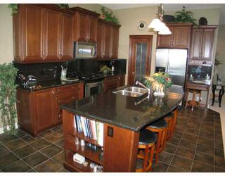 Photo 5: 140 Gleneagle Estates Lane: Cochrane Residential Detached Single Family for sale : MLS®# C3372565