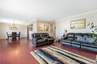 Photo 2: 6160 GOLDSMITH Drive in Richmond: Woodwards House for sale : MLS®# R2401343