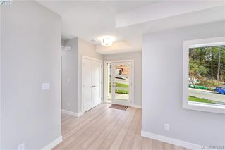 Photo 7: 298 Lone Oak Place in VICTORIA: La Mill Hill Single Family Detached for sale (Langford)  : MLS®# 419204